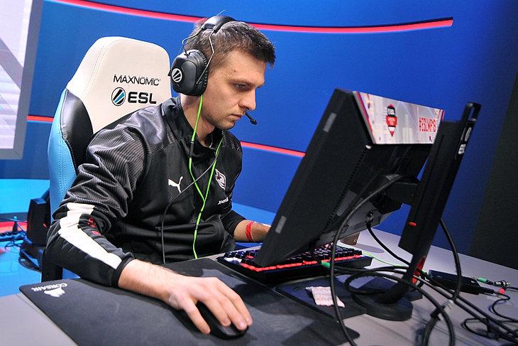ESL Mistrzostwa Polski - Jesień 2019 - Mecz finałowy xkom AGO - Illuminar Gaming