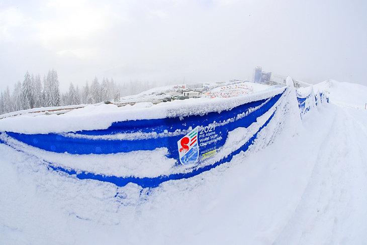 Mistrzostwa Świata w Narciarstwie Alpejskim 2021 - zawody odwołane z powodu zbyt dużych opadów śniegu